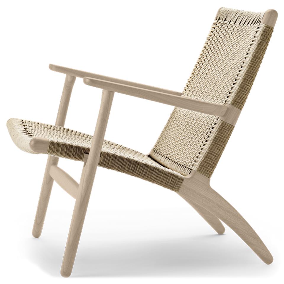 CH25 von Carl Hansen. Sessel aus Eiche in der Farbe Natur