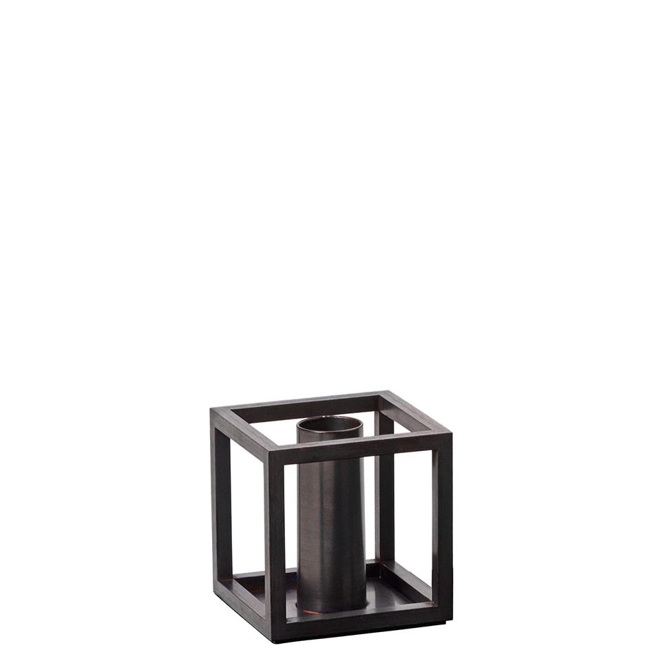 Kubus 1 von by Lassen. Kerzenständer aus verkupferten Stahl in der Farbe Kupfer brüniert