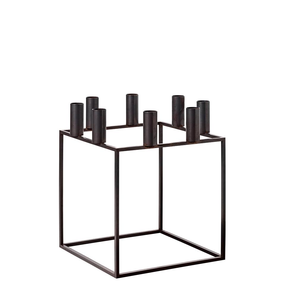 Kubus 8 von by Lassen. Kerzenständer aus verkupferten Stahl in der Farbe Kupfer brüniert