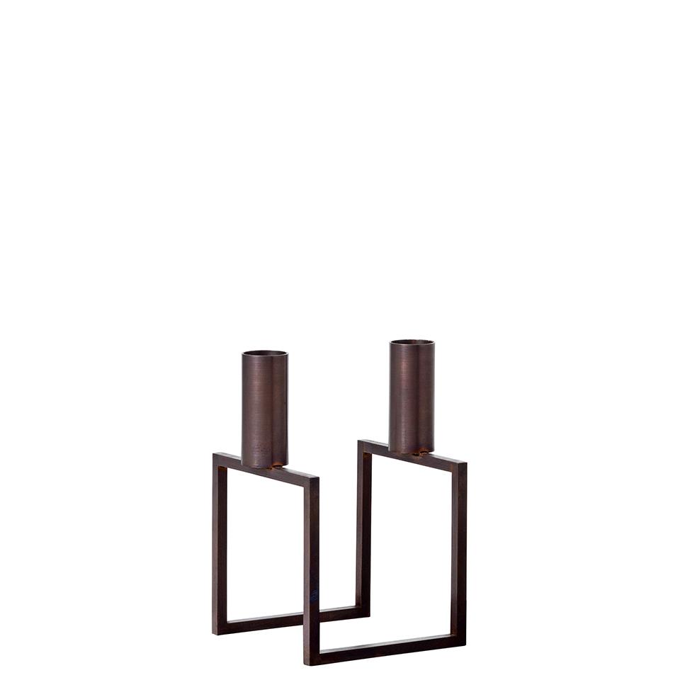 Line von by Lassen. Kerzenständer aus verkupferten Stahl in der Farbe Kupfer brüniert