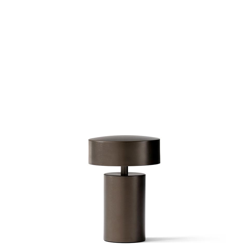 Column Table Lamp von Menu. Tischleuchte aus Aluminium in der Farbe Bronze