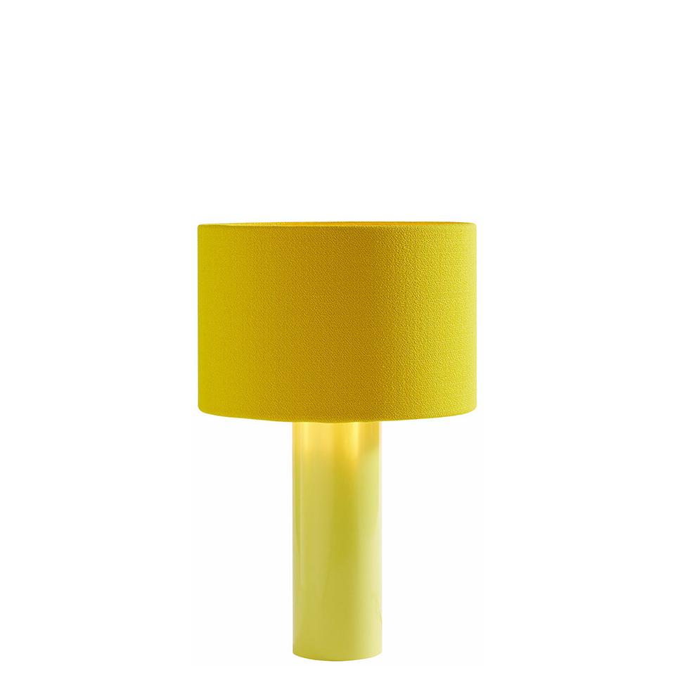 All Round von Victor Foxtrot. Tischleuchte aus Stahl und Stoff in der Farbe Gelb