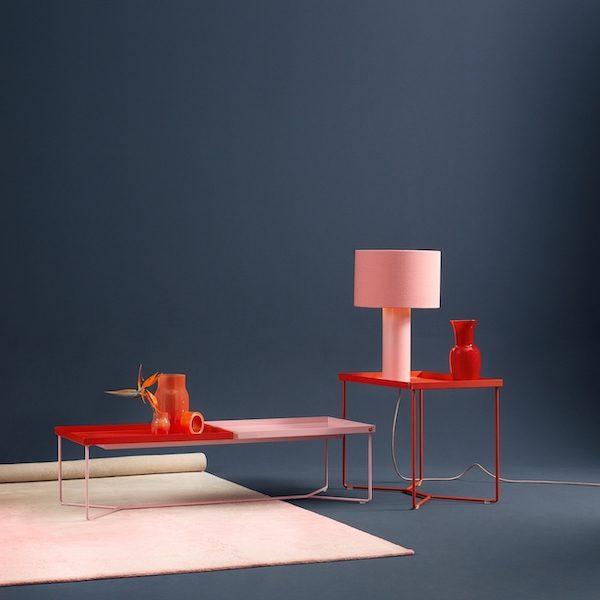 POI Table Double von Victor Foxtrot. Beistelltisch aus Stahl in der Farbe Rosa-Blutorange