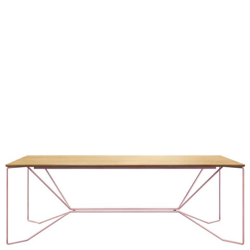 Same Same Eiche von Victor Foxtrot. Tisch aus Stahl und Eiche in der Farbe Rosa