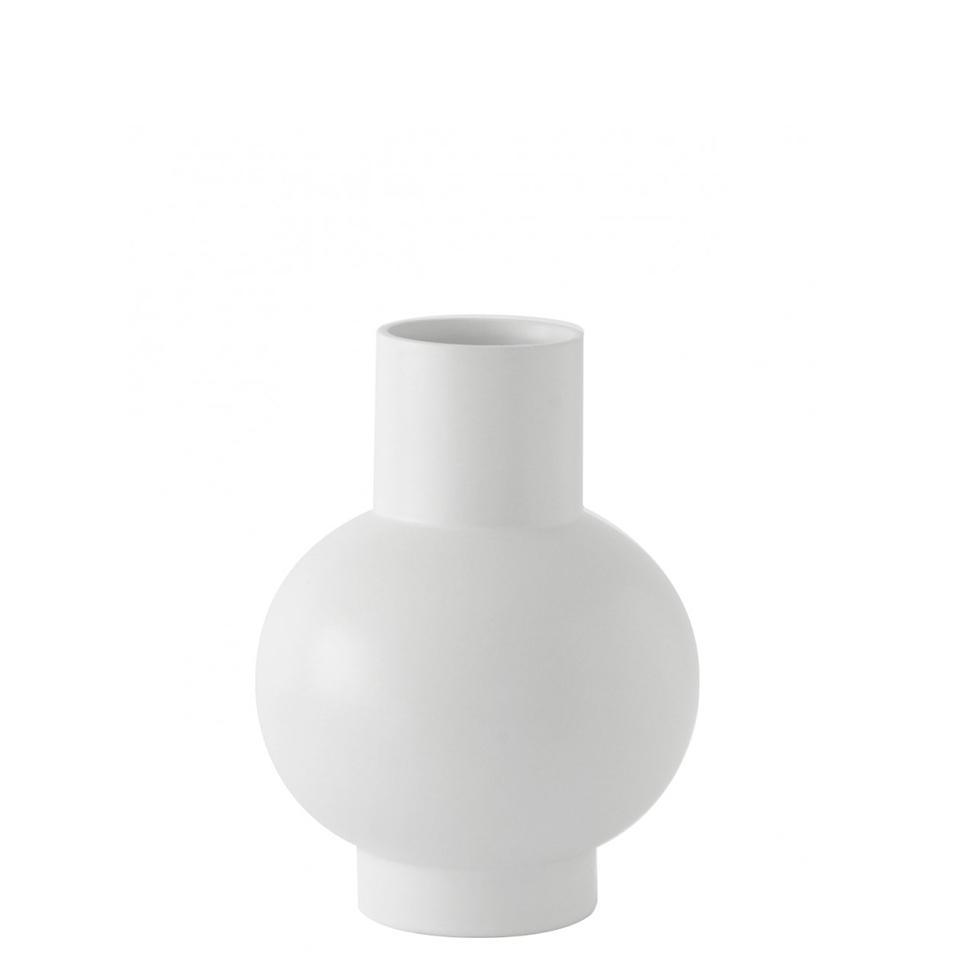 Strom vase von Raawii. Vase aus Steingut in der Farbe Weiss